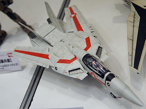 1/48 VF-1J バルキリー(ハセガワ)