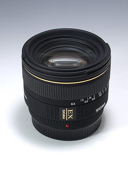 SIGMA 30mm F1.4 EX DC