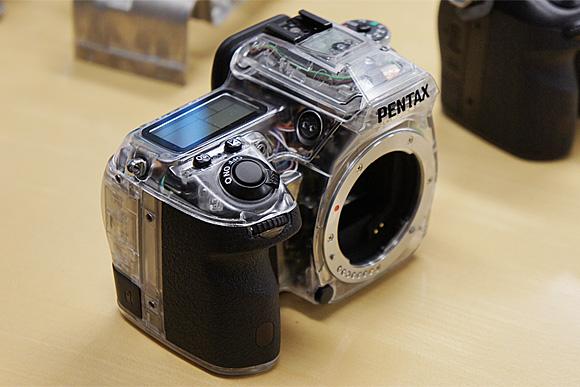 スケルトンモデル:ペンタックスデジタル一眼レフカメラ「K-5」体験イベント
