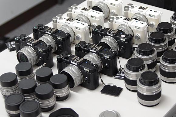デジタル一眼の進化系。ナノ一眼「PENTAX Q」体験イベント:PENTAX Q 各部チェック
