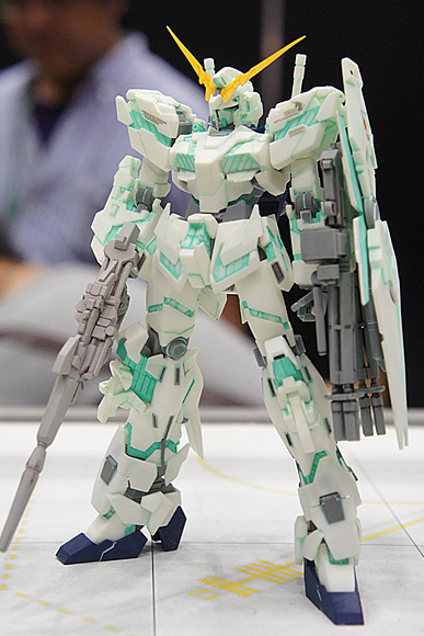 1/144 RX-0 ユニコーンガンダム デストロイモード(R.C.BERG & studio RECKLESS)