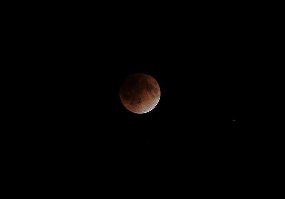 CASIO EX-ZR200で撮る皆既月食
