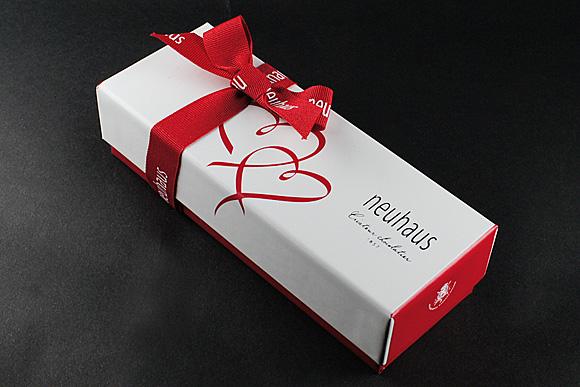 ノイハウス(neuhaus)バレンタインコレクション バレンタイン ハート3個入り